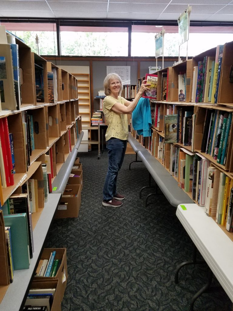 Volunteer coordinator Becky Walker organized the volunteer troops -- and the DIY section. (Pat Harper photo)